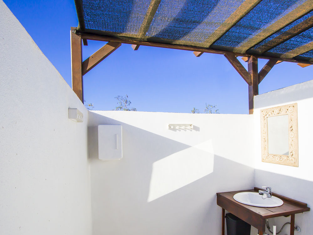 private_bathroom_yurt_lanzarote
